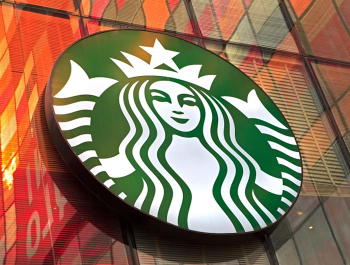 How Starbucks Disrupts Its Own Marketing Strategy? By Pro Speaker Igor Beuker
